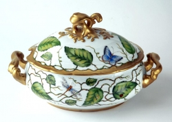 Ivy Garland Oval Soup Tureen