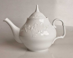 Simply Anna White Tea Pot