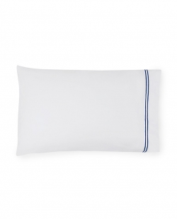 Grande Hotel White/Navy Standard Pillowcases, Pair