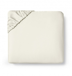 Fiona Ivory Queen Fitted Sheet