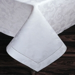 Acanthus White Oblong 70\x108\ Tablecloth