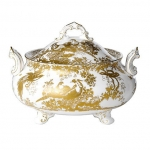 Gold Aves Soup Tureen with Cover Serve up your soup from this beautiful fine bone china, handled vegetable dish which comes with lid to truly impress your dinner guests. Showcasing design excellence through its hand decorated 22 carat gold, the Aves range is perfect to complement a dining experience or afternoon tea setting.