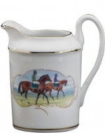 Post Parade Creamer